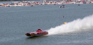 Full speed ahead for the Spirit of Qatar Team at the Lake of the Ozarks Shootout