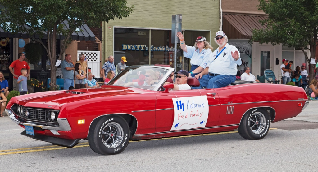 Fred Farley & wife Carol in Madison Parade